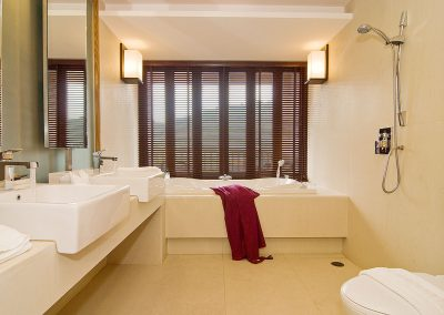Grand Suite Bath Room